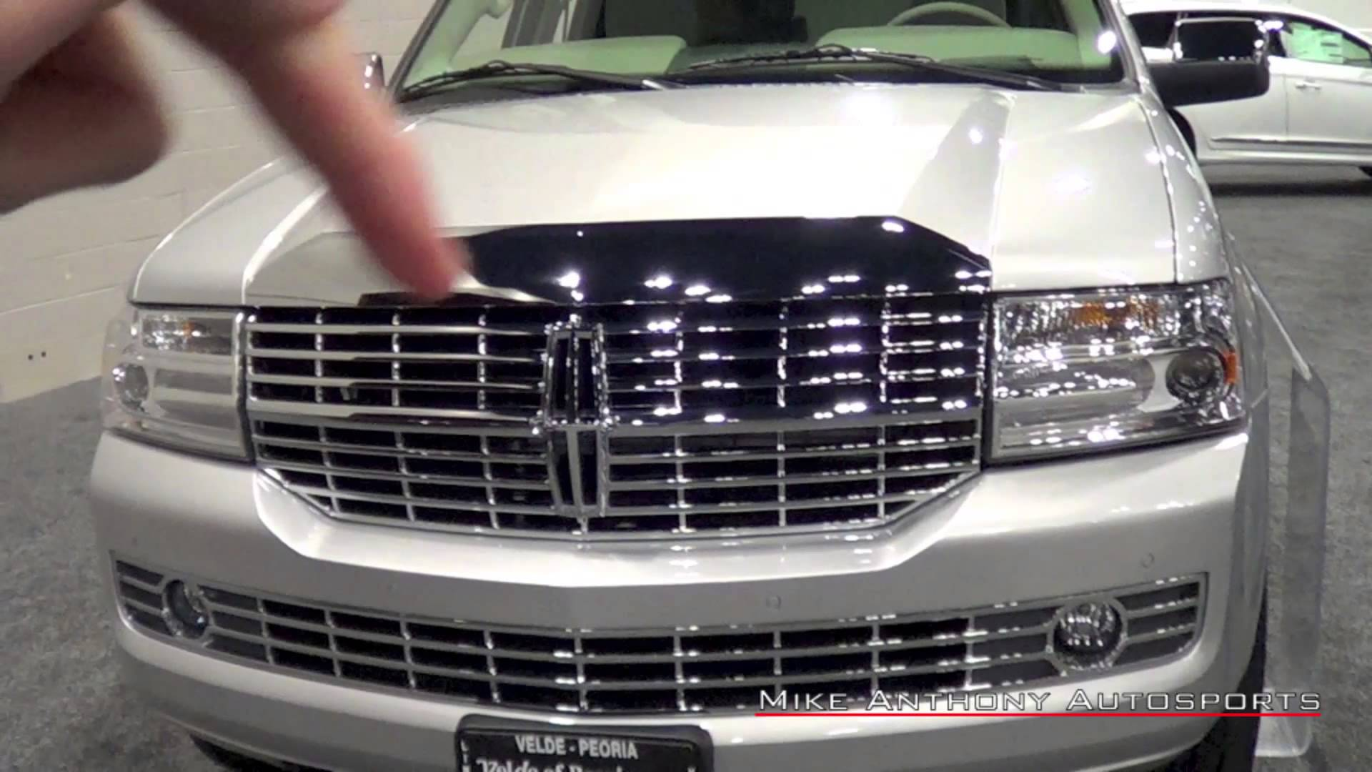 2014 Lincoln NAVIGATOR Car Review Video